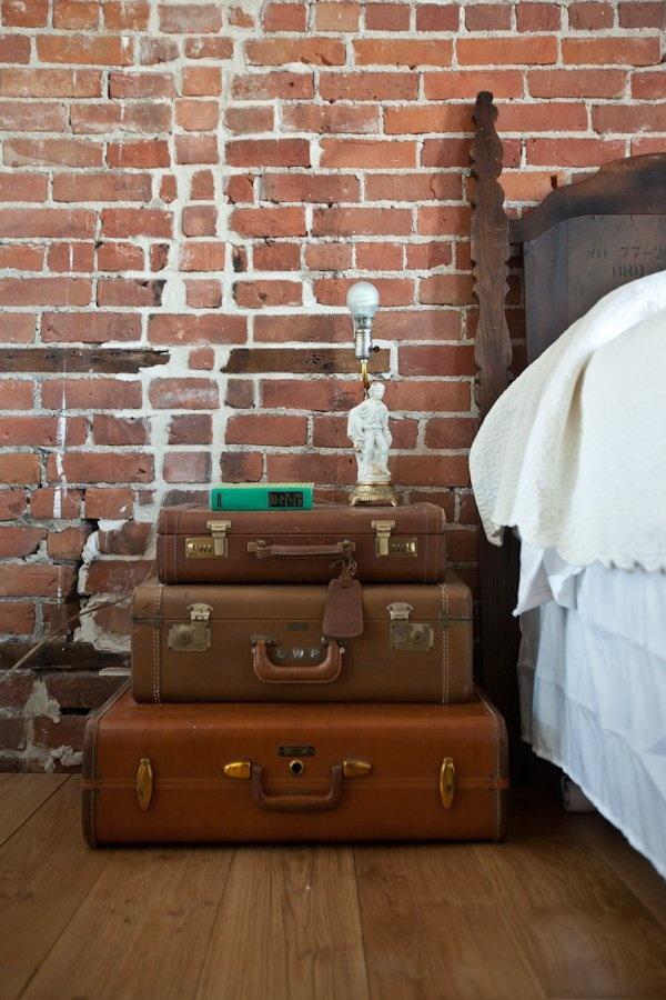 valises-anciennes-tables-de-chevet