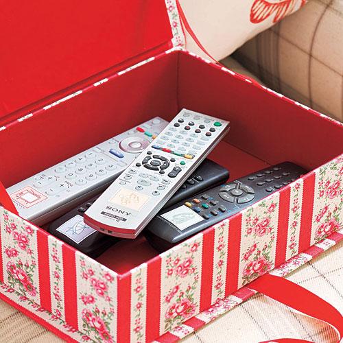 ranger la télecommande dans une boite