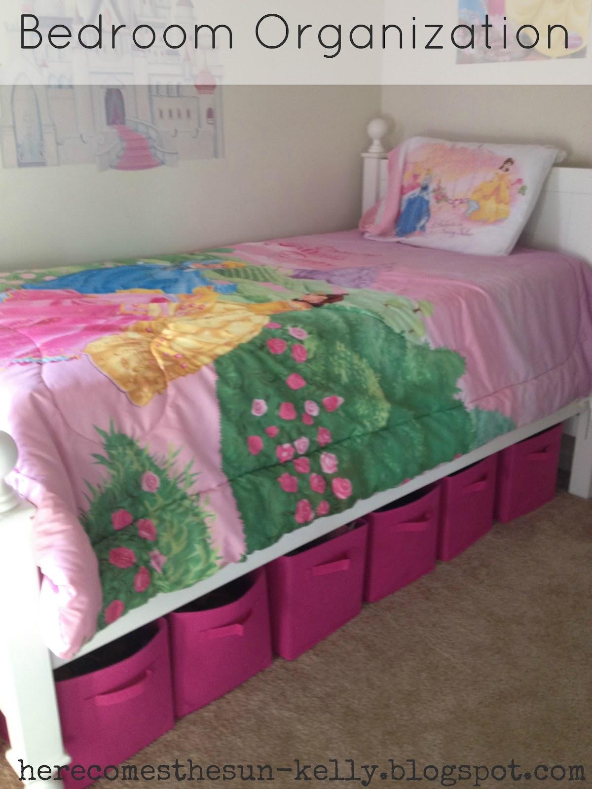 astuce pour gagner de la place ranger sous le lit. Black Bedroom Furniture Sets. Home Design Ideas