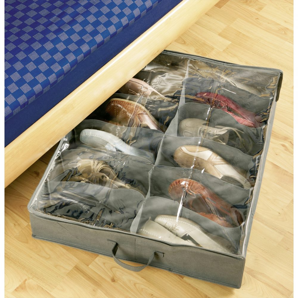 ranger les chaussures sous le lit pour gagner de la place