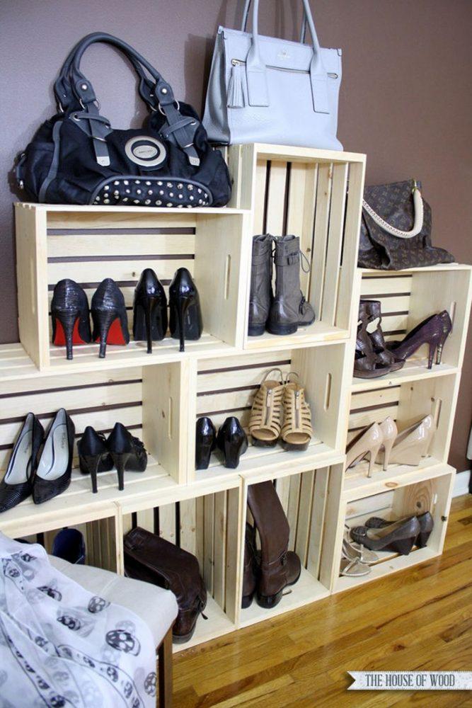 des caisses en bois pour le rangement des chaussures