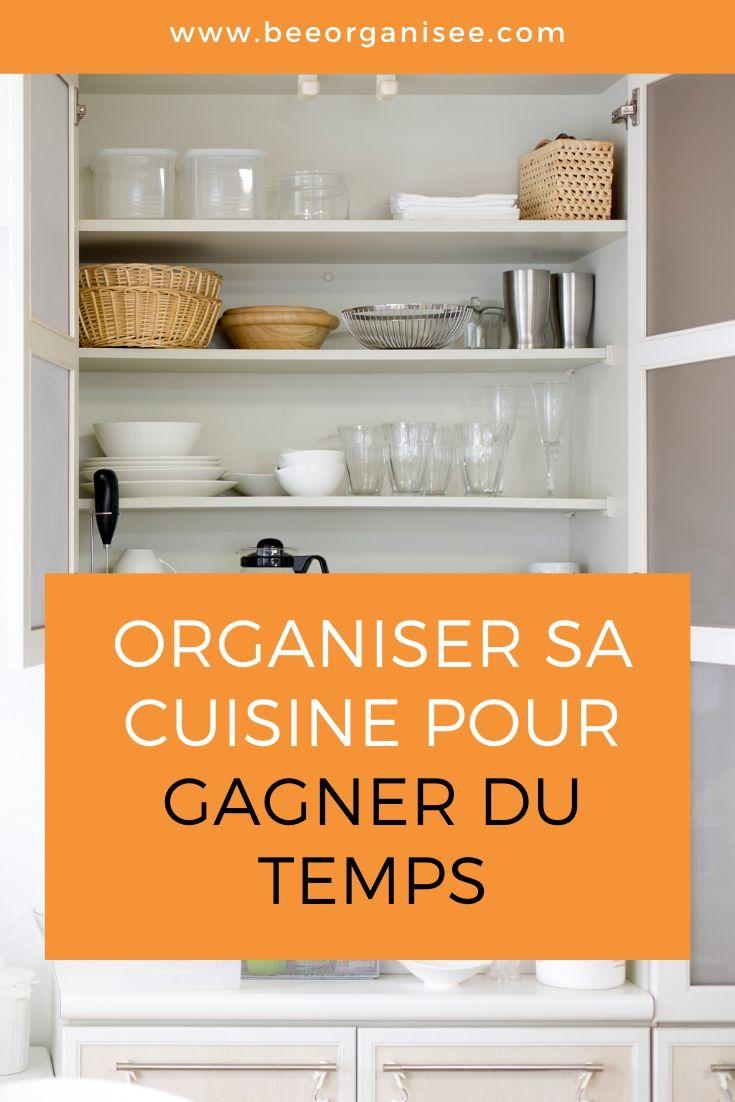 une cuisine organisée, peut nous aider à gagner du temps. Voici quelques idées pour simplifier votre espace de cuisine et vous faciliter la vie au quotidien.