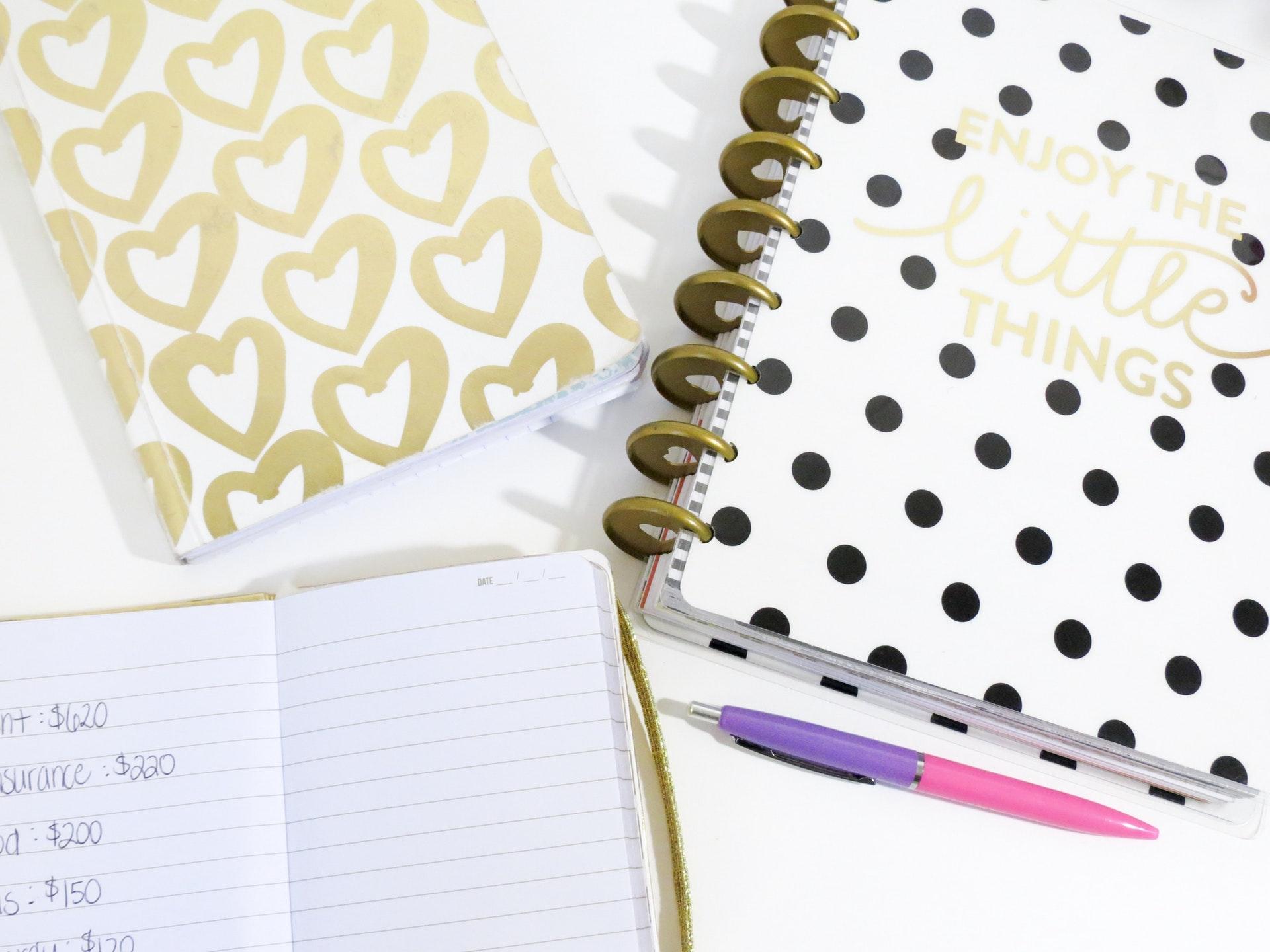 désencombrer rapidement par quoi commencer ? les carnets font partie des 15 objets que je vous conseille dans mon article
