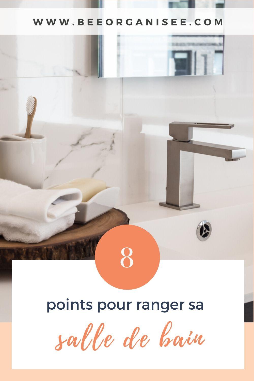 Ranger sa salle de bain est très important car, avec la cuisine, c'est peut-être la pièce la plus difficile à maintenir dans la maison. C'est le lieu où l'on se lave, où l'on maintient une bonne hygiène dentaire, où l'on peut se maquiller, se coiffer... Compte tenu de la multifonctionnalité de la salle de bain, il est essentiel que la pièce dispose d'espaces de rangement pratiques et organisés.